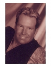 christopher 58 y.o. from USA