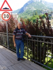 Domenic 71 y.o. from Australia