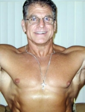 lou 61 y.o. from USA