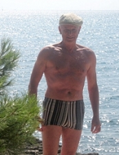 Vitaly 71 y.o. from USA