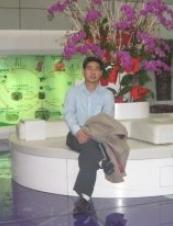 DAVID 48 y.o. from Canada