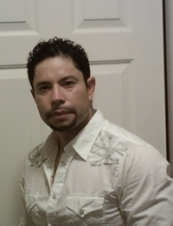 Manuel 49 y.o. from USA