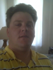 Rob 40 y.o. from USA