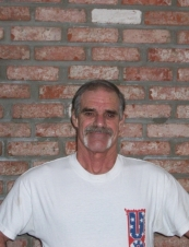 Russell 62 y.o. from USA