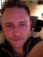 Lars 44 y.o. from Denmark