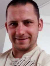 carl 38 y.o. from UK